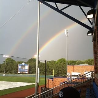 This rainbow tho... #nofilter #memphis #doublerainbow http://t.co/rFKN31Hwum