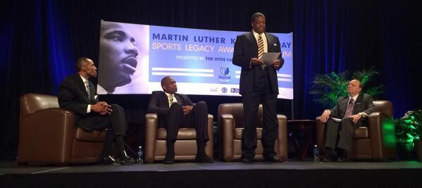 """Bernard King reading Dr. King's speech, """"I've been to the mountaintop."""" @memgrizz http://t.co/5KP26Yik9P"""
