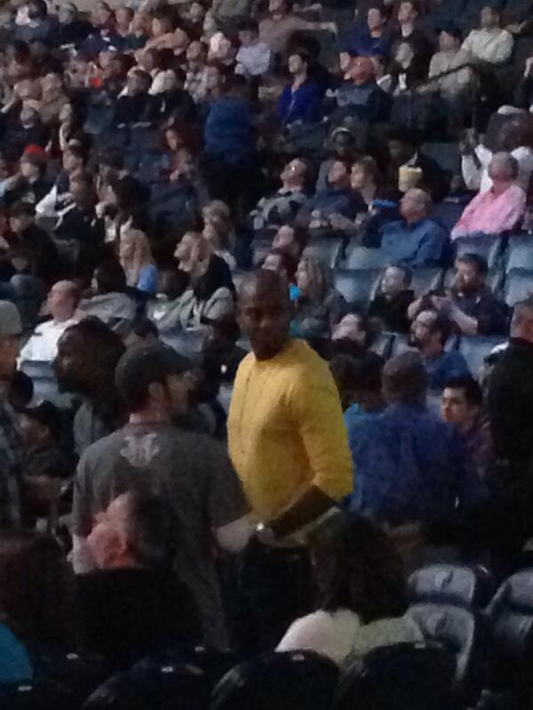 @Iam1Cent in attendance today http://t.co/JxG4ybPeKr
