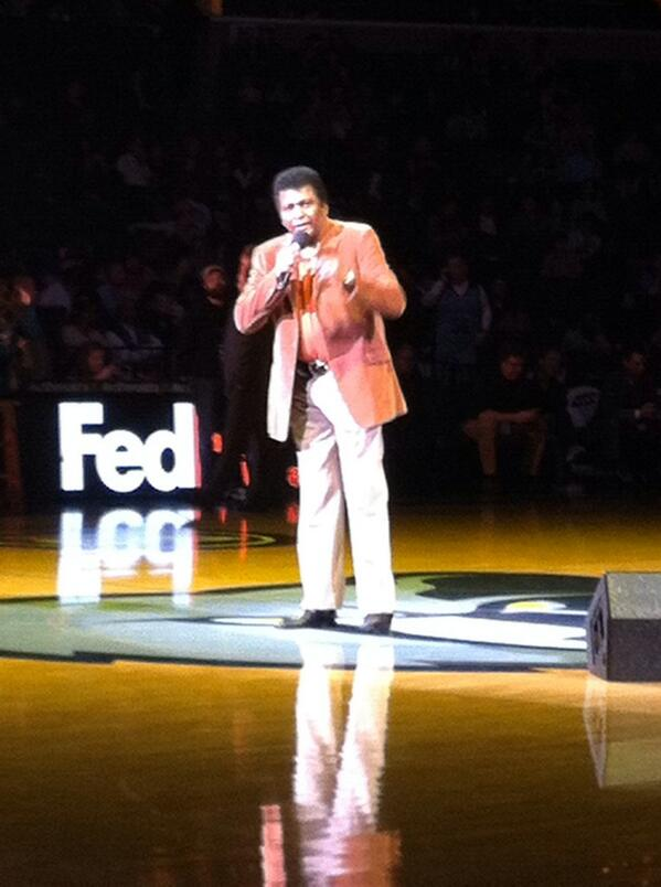 Front row at a Charley Pride concert. Also Grizzlies trail by 2 to the Pelicans http://t.co/iI2PMKVpGn