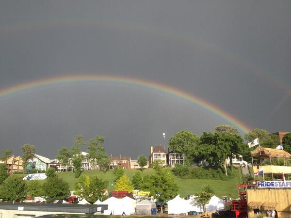 Rainbow on the river. http://t.co/NITonJt9wE