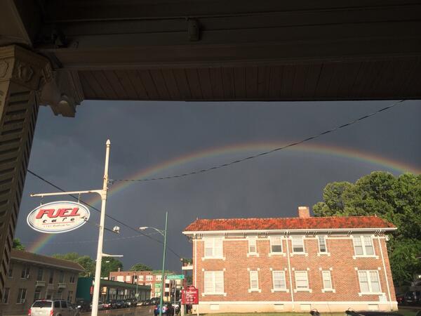 Cool rainbow http://t.co/RsCPFxHeid