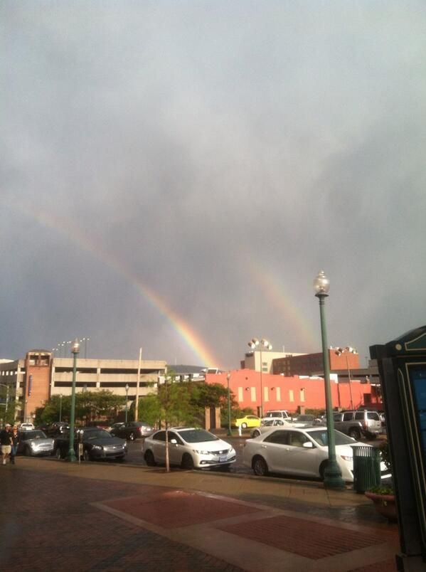Rainbow over downtown! #lifeisgood #Memphis http://t.co/oae3GATvSV