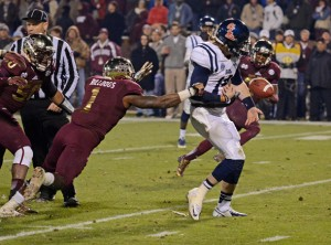 -FUMBLE (AP Photo/The Daily Mississippian, Thomas Graning)