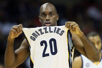 CHANGE OF HEART --- For a while, it seemed that Pondexter was a right fit for the Grizzlies, who rewarded the Fresno, California native with a four-year extension in just third full season with the team. Prior to that year, Pondexter averaged a career-best 21.1 minutes per game and played a pivotal role for a Grizz team that made its first ever Western Conference Finals appearance. (Getty Images photo)